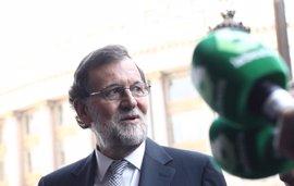 """Rajoy no da pistas sobre si hará cambios en la cúpula del PP y ve """"prematuro"""" hablar ahora de limitar su mandato"""