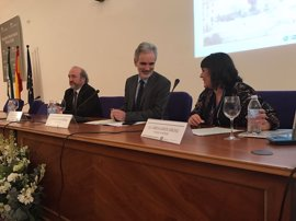 Andalucía destaca el avance en los cuidados en la sanidad pública por la labor enfermera
