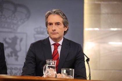 """De la Serna afirma que liberalizar autopistas """"es inabordable"""" por el alto coste económico que conlleva"""