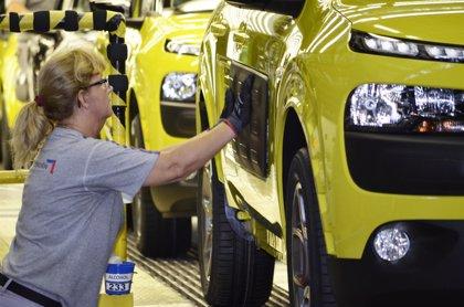 La industria española de automoción cierra 2016 con el mayor volumen de empleo desde la crisis