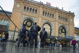 Seis años de cárcel para la adolescente que apuñaló a un policía en nombre de Estado Islámico en Alemania