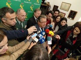 Zoido da orden de mantener los controles por consumo de drogas en conductores de autobús tras el accidente de Madrid