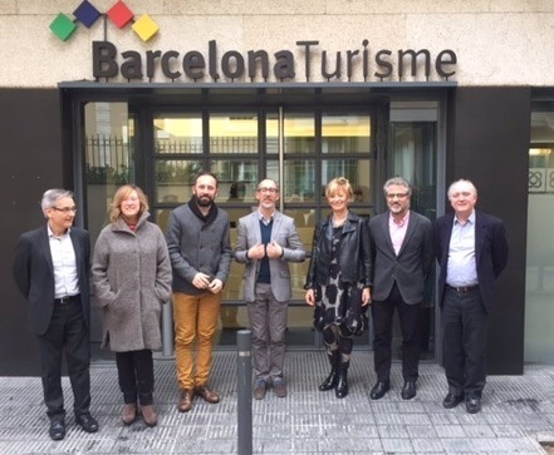 Diputaci n de guip zcoa recoge experiencias de la red de for Oficina de turismo barcelona