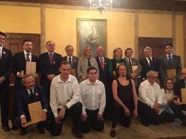 Cifuentes, Dancausa y el Ayuntamiento, reconocidas por Envera por su compromiso con personas con diversidad funcional