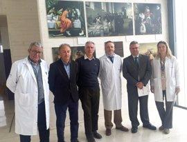 El Hospital de Puente Genil (Córdoba) acoge en su vestíbulo la exposición 'Arte y Medicina'