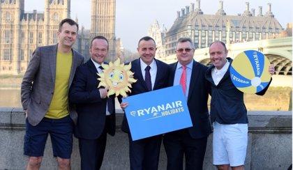 Ryanair cesa 'temporalmente' su venta de paquetes vacacionales tras romper su acuerdo con Logitravel