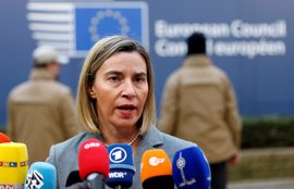 """Mogherini confía en que se llegue a """"una solución política para compartir el poder"""" en Siria"""