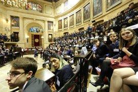Cerca de 300 jóvenes de once países simulan en la Casa de Juntas de Gernika una reunión de la ONU
