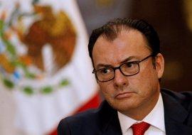 """Videgaray asegura que México no puede aceptar pagar por el muro de Trump por """"dignidad"""" y """"orgullo"""""""