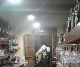 Daños en una cafetería de Comillas tras incendiarse la freidora