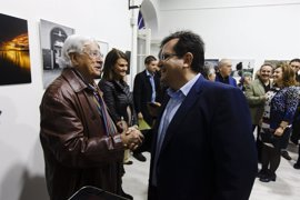 Diputación participa en la inauguración de la nueva sede del Grupo 'Indalo Foto' en Almería