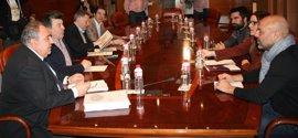 Desencuentro entre Podemos y PP tras la reunión para abordar el Plan de Garantía Ciudadanas