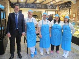 Nagore visita el Horno de Pan Abadía, adscrito a la marca de calidad Pan Sobado de La Rioja