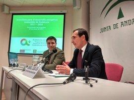 La Junta presenta a más de 100 empresarios onubenses los incentivos para Desarrollo Energético Sostenible