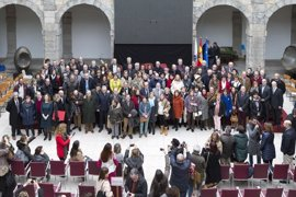 Homenaje a los 9.000 profesores de Cantabria y a los 257 jubilados el último curso