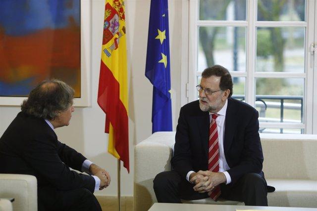 Rajoy con el secretario general de la Organización de Estados Americanos