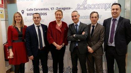 Marta Gastón visita las nuevas instalaciones de Ecomputer en Walqa