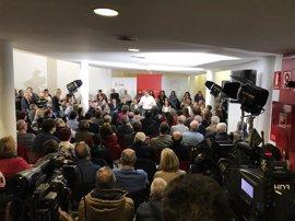 """Patxi López dice que ningún candidato es un """"traidor"""" y avisa: """"Si nos seguimos gritando, no nos van a escuchar"""""""