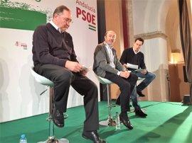 """Rubalcaba dice que el PSOE tiene """"un problema de proyecto"""" y recuerda que """"nunca hemos abandonado la izquierda"""""""