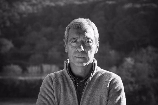 El escritor y presidente de la Comisión Catalana de Ayuda al Refugiado (CCAR)