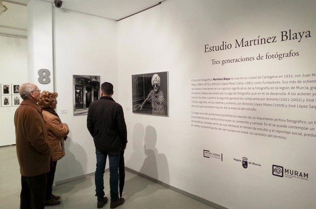 El Muram de Cartagena amplía la exposición fotográfica 'Estudio Martínez Blaya'