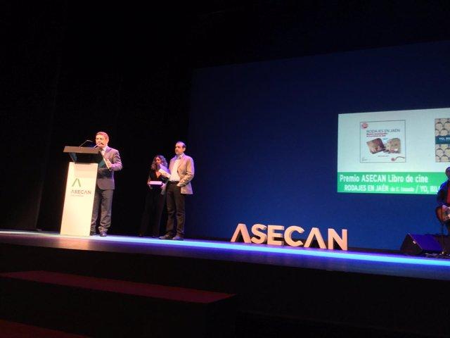 El presidente de la Diputación de Jaén, Francisco Reyes, en los premios Asecan