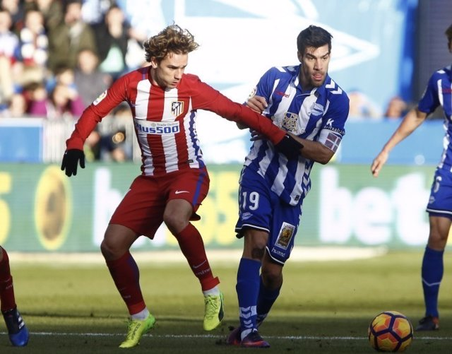 Antoine Griezmann Manu García Atlético Alavés