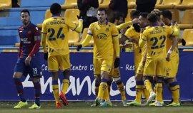 El Alcorcón frena la racha del Levante y el Valladolid se mete en 'play-off'
