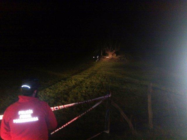 Un hombre fallece al caerse del árbol que estaba podando