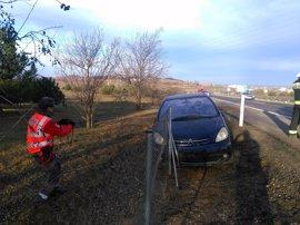 Herida una conductora de Rincón de Soto al salirse de la vía en Fontellas
