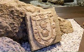 Santander recupera un escudo del siglo XV
