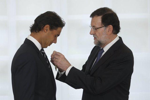 Mariano Rajoy impone a Nadal la Medalla de Oro al Mérito en el Trabajo