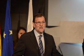 """Rajoy, sobre Javier Fernández: """"Con tu talento y esfuerzo llevas el deporte español a lo más alto del podio"""""""