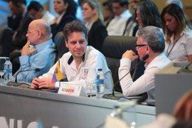 Ecuador activa un plan de contingencia en defensa de sus residentes en EEUU