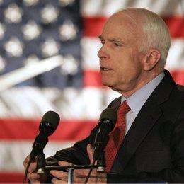 John Mccain senador por Arizona y candidato republicano