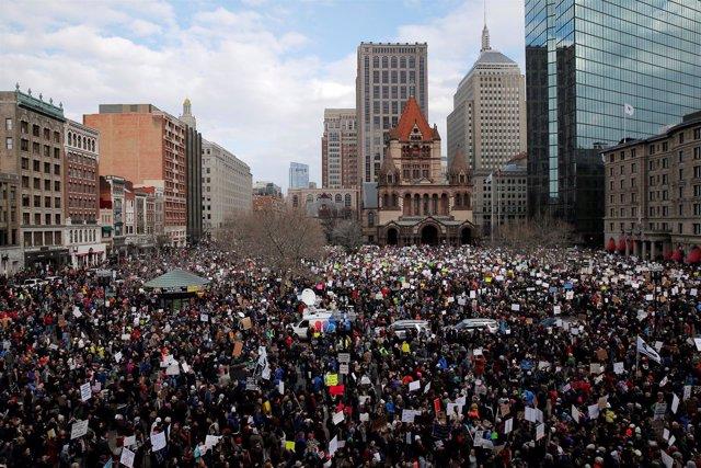 Manifestación contra la orden ejecutiva de Donald Trump en Boston
