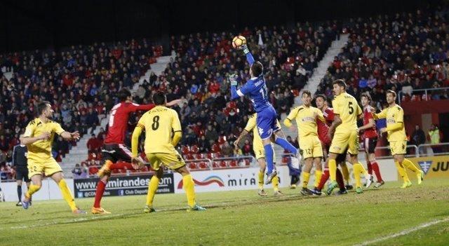 El Cádiz no pasa del empate y el Getafe cae ante el Numancia