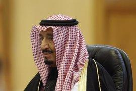 Trump y el rey saudí pactan la creación de zonas seguras para desplazados en Siria y Yemen