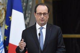 """Hollande condena """"firmemente"""" el atentado en una mezquita de Quebec"""