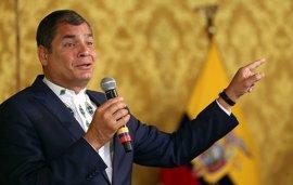 """Correa pregunta dónde se pueden quejar los políticos """"ante una prensa deshonesta"""""""