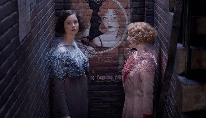 VÍDEO: Tina y Queenie cantan el himno de Ilvermorny en una escena eliminada de Animales fantásticos y dónde encontrarlos