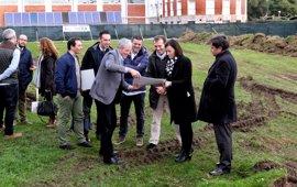 Las cinco nuevas pistas de pádel del complejo estarán para verano