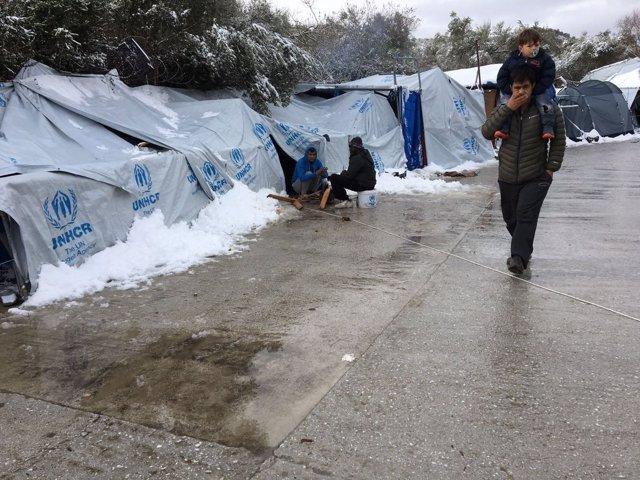 Centro de inmigrantes en Moria, Lesbos, con nieve