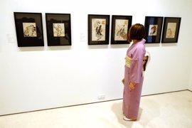 El Museo Carmen Thyssen Málaga reúne en su nueva muestra una selección de grabados y objetos de arte de Japón