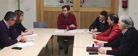 """El PSOE de León buscará el """"blindaje"""" de Feve en el Congreso """"para evitar su desmantelamiento"""""""