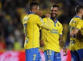 Las Palmas termina con la buena marcha del Valencia