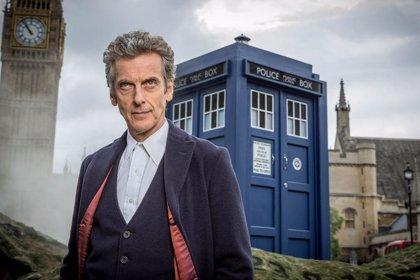 """Peter Capaldi deja oficialmente Doctor Who: """"Es hora de seguir adelante"""""""