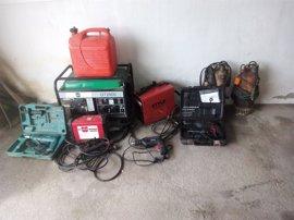 Buscan a los que compraron en Teixeiro maquinaria y herramientas robadas