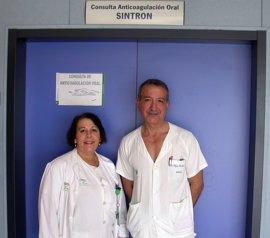 El Valme de Sevilla innova implantando autocontrol en pacientes con tratamiento de anticoagulación oral de alto riesgo