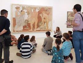 El Museo Picasso Málaga propone este sábado un día familiar para despedir la exposición de Torres-García